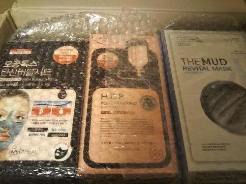 超特急、ポチって3日後に韓国から届いた。Qoo10でメディフィールのシートマスク120枚購入。